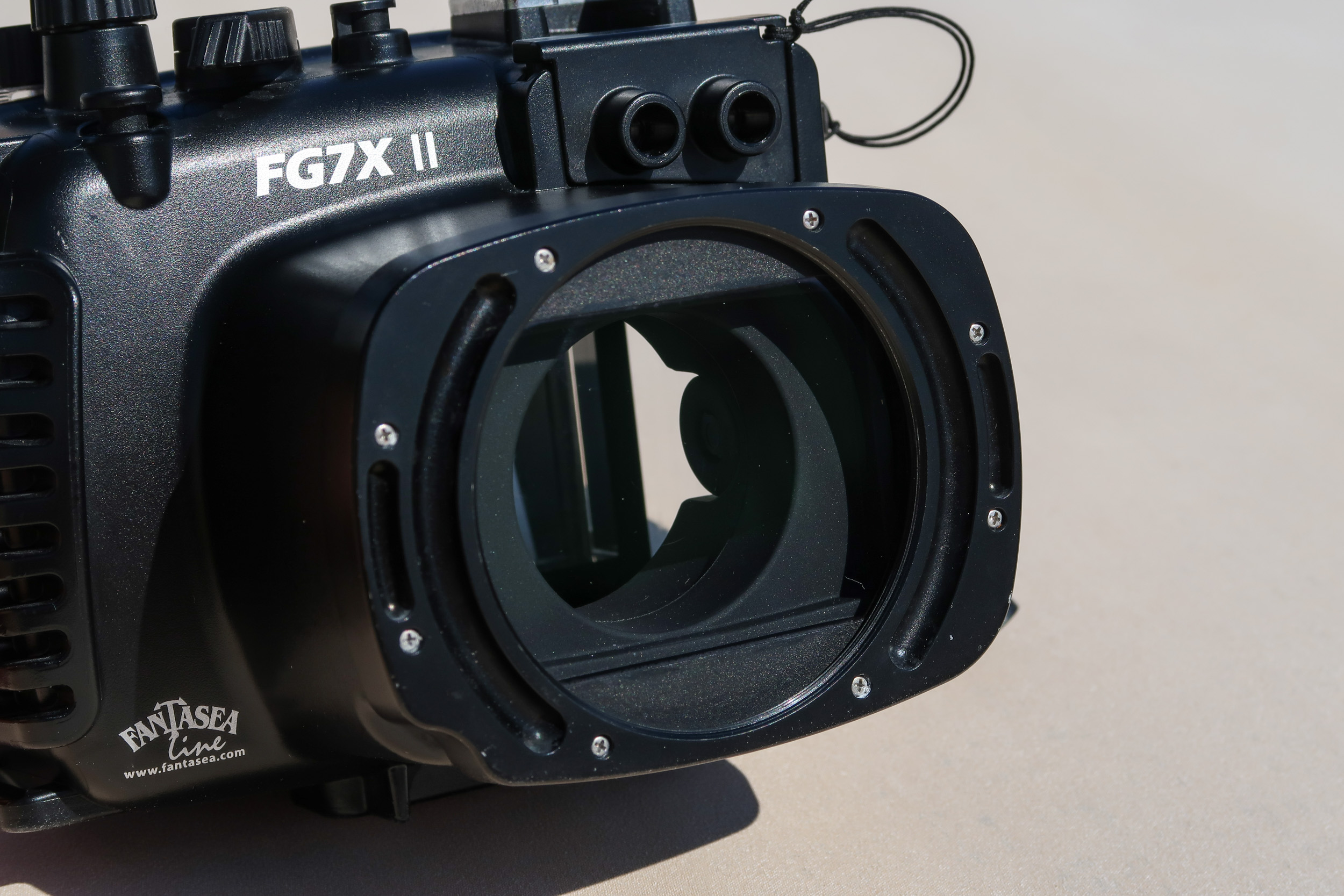 Canon G7XII and Fantasea Underwater Housing Review | Mozaik UW