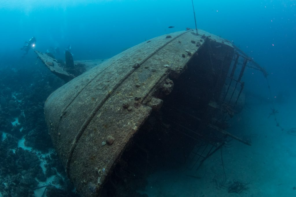 Settings for underwater wreck photography