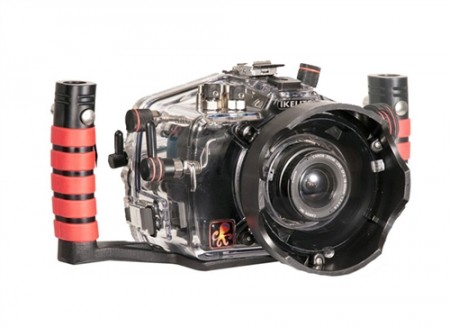 Canon EOS 600DᅠRebel T3i Underwater Housing with 18-55mm Port