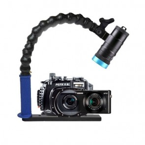 Mozaik FG7XII A Underwater Housing AND Canon G7X II Camera w/Kraken Hydra 3500 Video Light