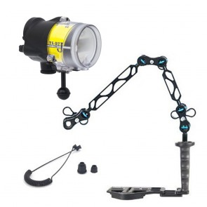 Sea & Sea YS-D2J -  Mounted on a Nauticam Flexitray Light Set
