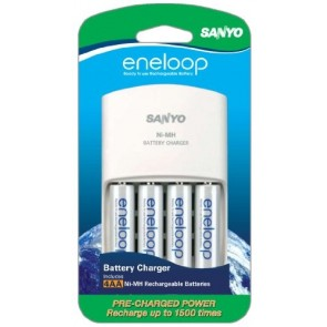 Sealife - Sanyo Eneloop battery charger w/ 4 AA batteries